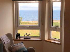 Seashore Apartment - Scottish Lowlands - 1064830 - thumbnail photo 1