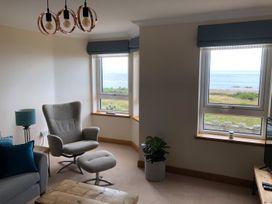 Seashore Apartment - Scottish Lowlands - 1064830 - thumbnail photo 3