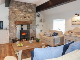 Cosy Cottage - Anglesey - 1064857 - thumbnail photo 11