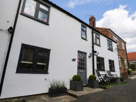 Anvil Cottage - Whitby & North Yorkshire - 1064915 - thumbnail photo 2
