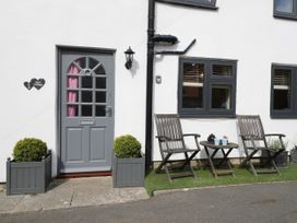 Anvil Cottage - Whitby & North Yorkshire - 1064915 - thumbnail photo 3