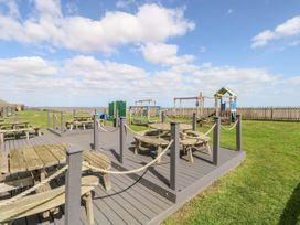 109 Waterside Holiday Park - Suffolk & Essex - 1064932 - thumbnail photo 17
