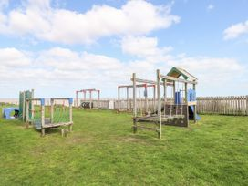109 Waterside Holiday Park - Suffolk & Essex - 1064932 - thumbnail photo 18