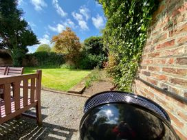 The Garden Apartment - Whitby & North Yorkshire - 1065023 - thumbnail photo 2