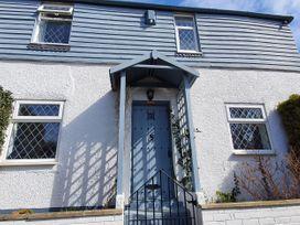 Little Blue Cottage - Kent & Sussex - 1065133 - thumbnail photo 1