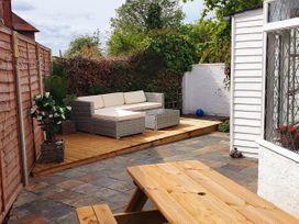 Little Blue Cottage - Kent & Sussex - 1065133 - thumbnail photo 25