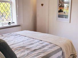 Little Blue Cottage - Kent & Sussex - 1065133 - thumbnail photo 20