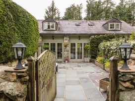 Garden Cottage - North Wales - 1065165 - thumbnail photo 2