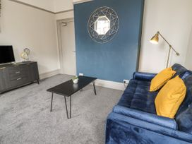 Sapphire Suite - North Wales - 1065260 - thumbnail photo 4