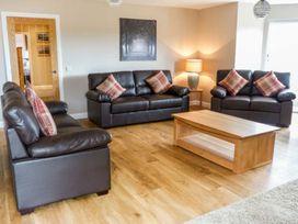 Holly House - Scottish Highlands - 1065475 - thumbnail photo 4