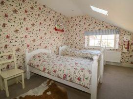 Welburn Grange Farm - North Yorkshire (incl. Whitby) - 1065690 - thumbnail photo 29