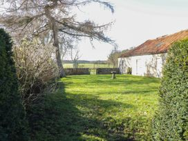 Welburn Grange Farm - North Yorkshire (incl. Whitby) - 1065690 - thumbnail photo 31