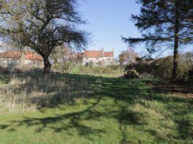 Welburn Grange Farm - North Yorkshire (incl. Whitby) - 1065690 - thumbnail photo 36