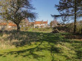 Welburn Grange Farm - North Yorkshire (incl. Whitby) - 1065690 - thumbnail photo 37