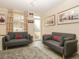 5 Lower Ellick Street - South Wales - 1065884 - thumbnail photo 3