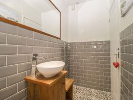 5 Lower Ellick Street - South Wales - 1065884 - thumbnail photo 17