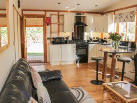 Acksea Lodge - Shropshire - 1065947 - thumbnail photo 4
