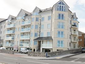 Ocean View Apartment - North Wales - 1066096 - thumbnail photo 1