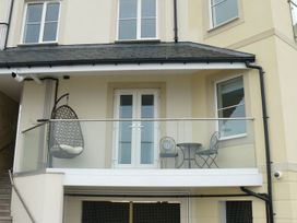 Ocean View Apartment - North Wales - 1066096 - thumbnail photo 4