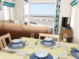 Ocean View Apartment - North Wales - 1066096 - thumbnail photo 5