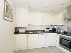 Ocean View Apartment - North Wales - 1066096 - thumbnail photo 7