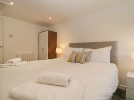 Apartment 2 Castle View - Cotswolds - 1066135 - thumbnail photo 6
