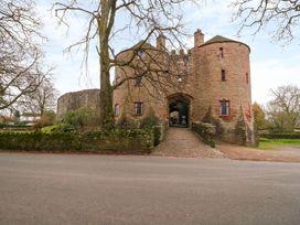 Apartment 2 Castle View - Cotswolds - 1066135 - thumbnail photo 22