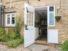 Tuesday Cottage - Cotswolds - 1066248 - thumbnail photo 21