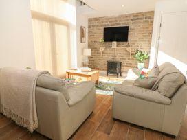 Holly Cottage - Peak District - 1066255 - thumbnail photo 3
