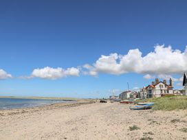 Sandy Toes - Anglesey - 1066272 - thumbnail photo 24