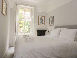 Lilybank Apartment - Scottish Lowlands - 1066306 - thumbnail photo 13