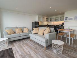 Beachview Apartment 2 - Cornwall - 1066466 - thumbnail photo 4