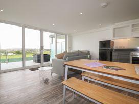 Beachview Apartment 2 - Cornwall - 1066466 - thumbnail photo 5