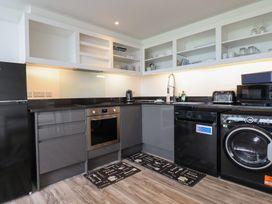 Beachview Apartment 2 - Cornwall - 1066466 - thumbnail photo 6