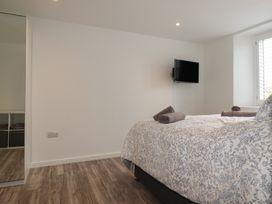 Beachview Apartment 2 - Cornwall - 1066466 - thumbnail photo 8