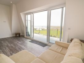 Beach View Apartment 3 - Cornwall - 1066468 - thumbnail photo 3