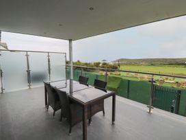 Beachview Apartment 3 - Cornwall - 1066468 - thumbnail photo 2