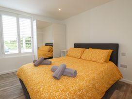 Beachview Apartment 3 - Cornwall - 1066468 - thumbnail photo 8