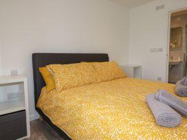 Beachview Apartment 3 - Cornwall - 1066468 - thumbnail photo 9