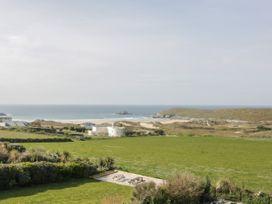 Beach View Apartment 4 - Cornwall - 1066470 - thumbnail photo 5