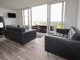 Beachview Apartment 4 - Cornwall - 1066470 - thumbnail photo 3