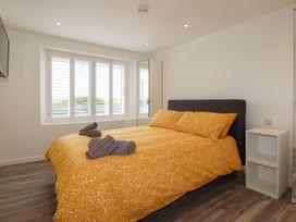 Beachview Apartment 4 - Cornwall - 1066470 - thumbnail photo 9