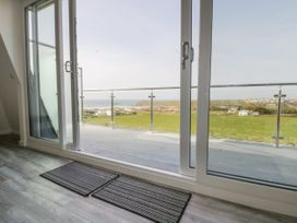 Beach View Apartment 5 - Cornwall - 1066471 - thumbnail photo 4