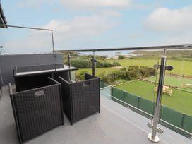 Beachview Apartment 5 - Cornwall - 1066471 - thumbnail photo 2