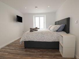 Beachview Apartment 5 - Cornwall - 1066471 - thumbnail photo 6