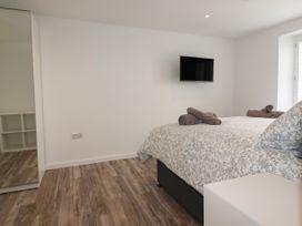 Beachview Apartment 5 - Cornwall - 1066471 - thumbnail photo 9