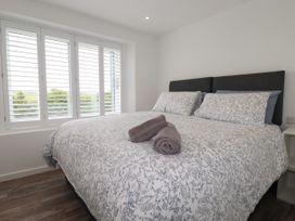 Beachview Apartment 5 - Cornwall - 1066471 - thumbnail photo 10