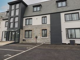 Beachview Apartment 5 - Cornwall - 1066471 - thumbnail photo 18