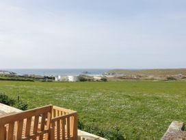 Beach View Apartment 6 - Cornwall - 1066472 - thumbnail photo 13