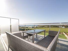 Beach View Apartment 6 - Cornwall - 1066472 - thumbnail photo 6